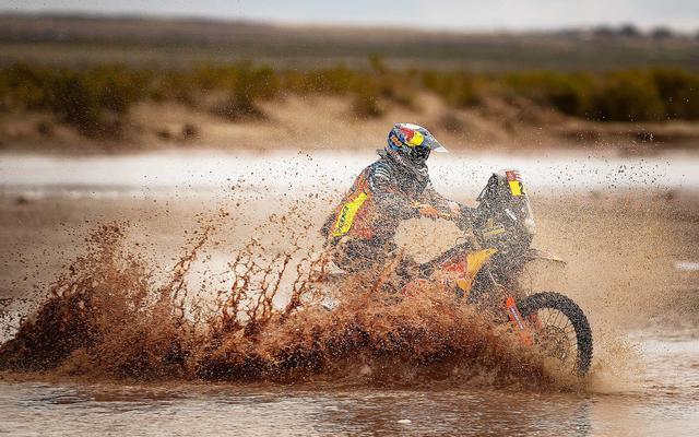 画像: 極寒の川を渡り灼熱の砂漠を駆けるダカールラリー