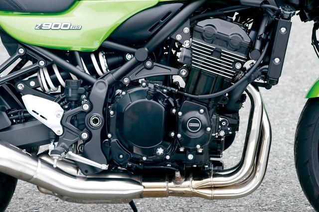 画像: スーパーネイキッドのZ900をベースに、パワー特性や外観イメージを見なおした水冷直4もスタンダードのZ900RSと共通。