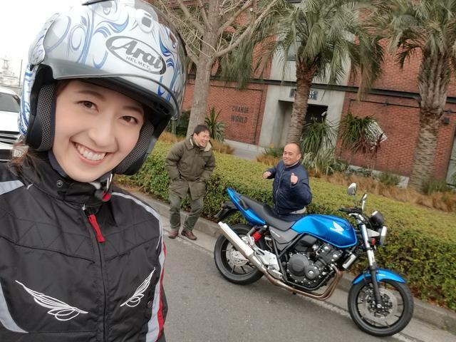 画像: 福田さん、バイクに乗って走ってる伊藤さんと私よりも 完全防寒なんですけどー!!!笑