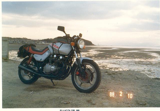 画像: 1988年のナカムラ車。写真は九州ツーリング中に、たしか福岡の海で撮りました。