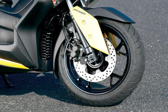 画像: 優れた減衰感、クッション性を備える正立フォークは、強度・剛性の高いスポーツバイク的な造りで自然なハンドリングを実現した。