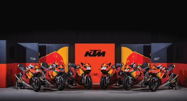 画像: 世界中では、ホンダと2メーカーだけ、Moto3、Moto2、MotoGPと全クラスに参戦するKTM