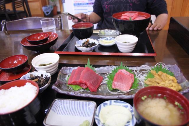 画像: 大間崎でマグロを食しました。雲丹が美味でした。栗原くん、ありがとうございました!