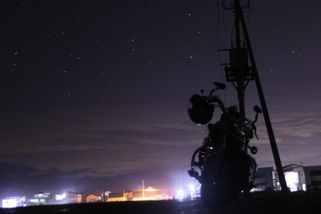 画像: 町あかりがあるにも関わらず、肉眼ではっきり星々が見えました。