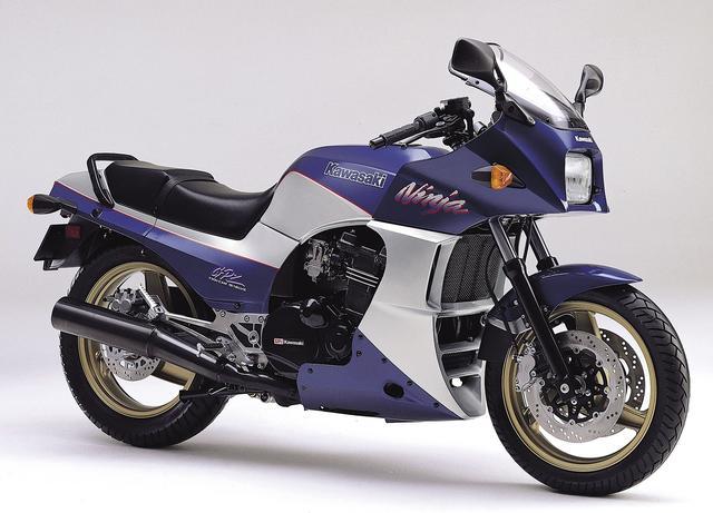 画像: メタリックポラリスブルー×ギャラクシーシルバー(日本仕様) 1992年モデルの「A9」は日本仕様のみで、初期型のカラーを復活さた。海外モデルは「A8」の継続となる。性能諸元に変更はない。