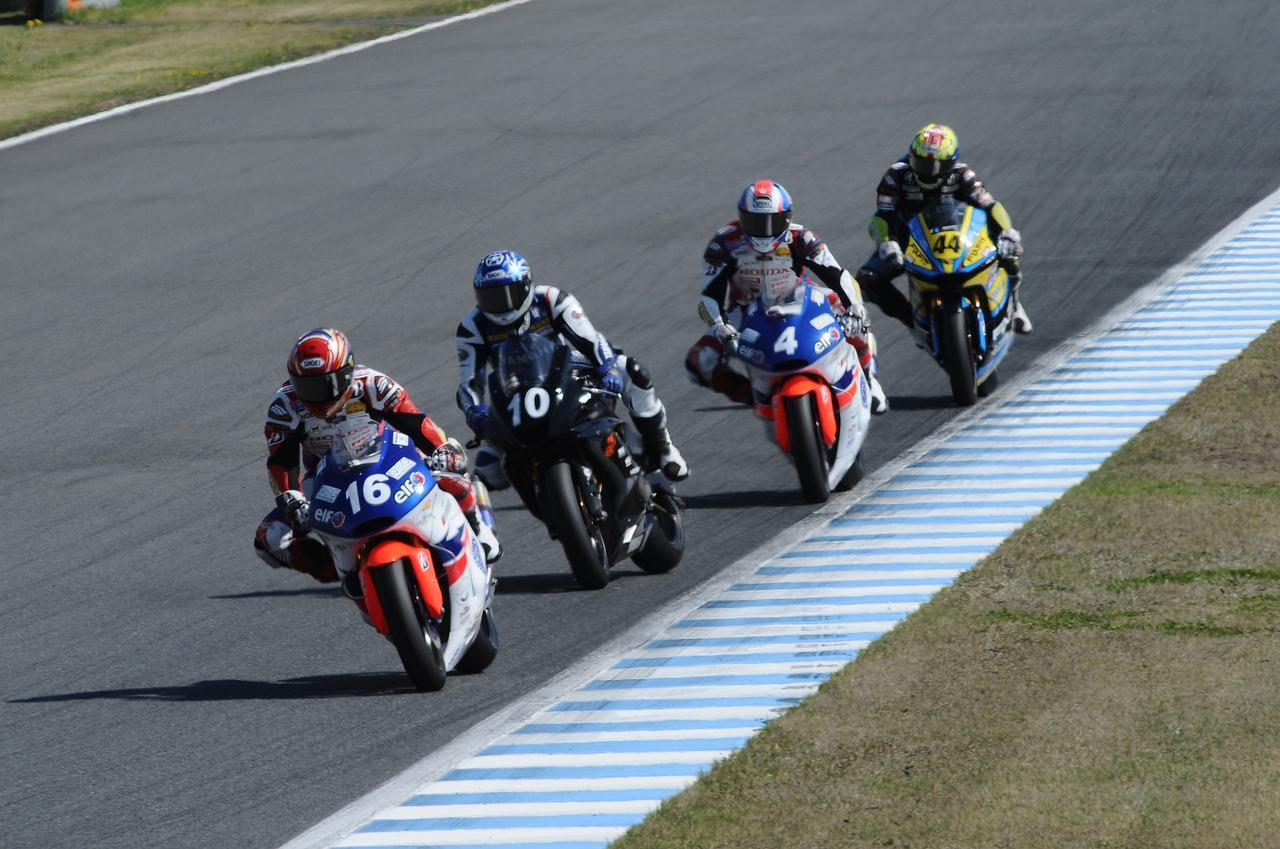 画像: レースは終始、この4台がリード 一時#10クボがトップに立ちました