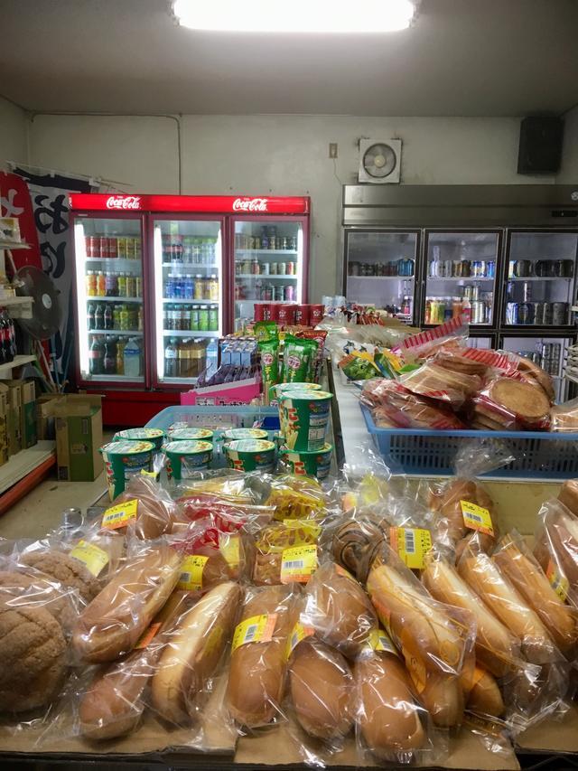 画像: が、食事もしないで走り回ってお腹が空いてる時に、良い感じのお店を発見!のぞいたら、うあ〜 美味しそう