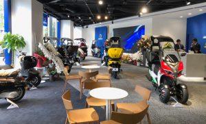 画像: ルーフ付きスクーター|ADIVA株式会社