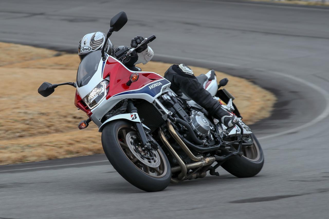 画像2: ウェット路面にもドライでのスポーティな走りでもグリップ力を向上させた「バトラックス・スポーツツーリング T31」!