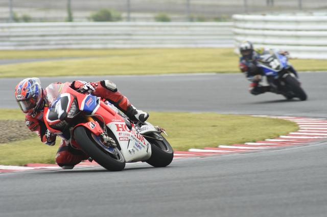 画像: レース中盤、トップに立った巧が引き離しにかかるんですが、巧もこれが限界!だったそうです