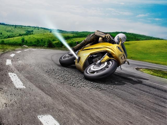 画像: リアタイヤが流れてしまった際に、滑る方向とは逆方向の力をガスの放出で加えることで危険を回避。そんな技術が開発されているんです。