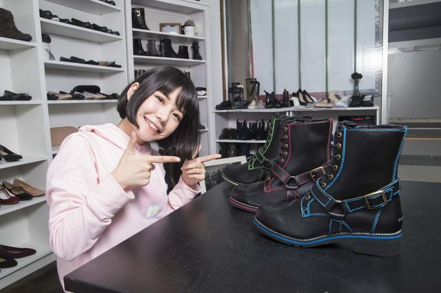画像: ちなみに、今回紹介した製品ではありませんが、ワイルドウイングのラインアップには厚底ブーツもあり、身長150cmの美環さんも愛用しているんです。