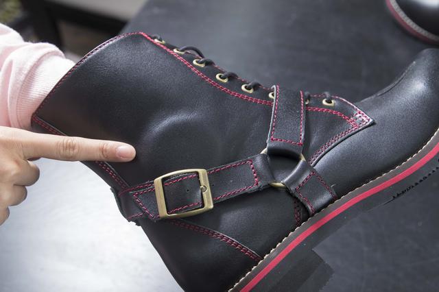 画像: 衝撃吸収パッドは、履いているときのクッションにもなっているのか、足に違和感は一切なし。