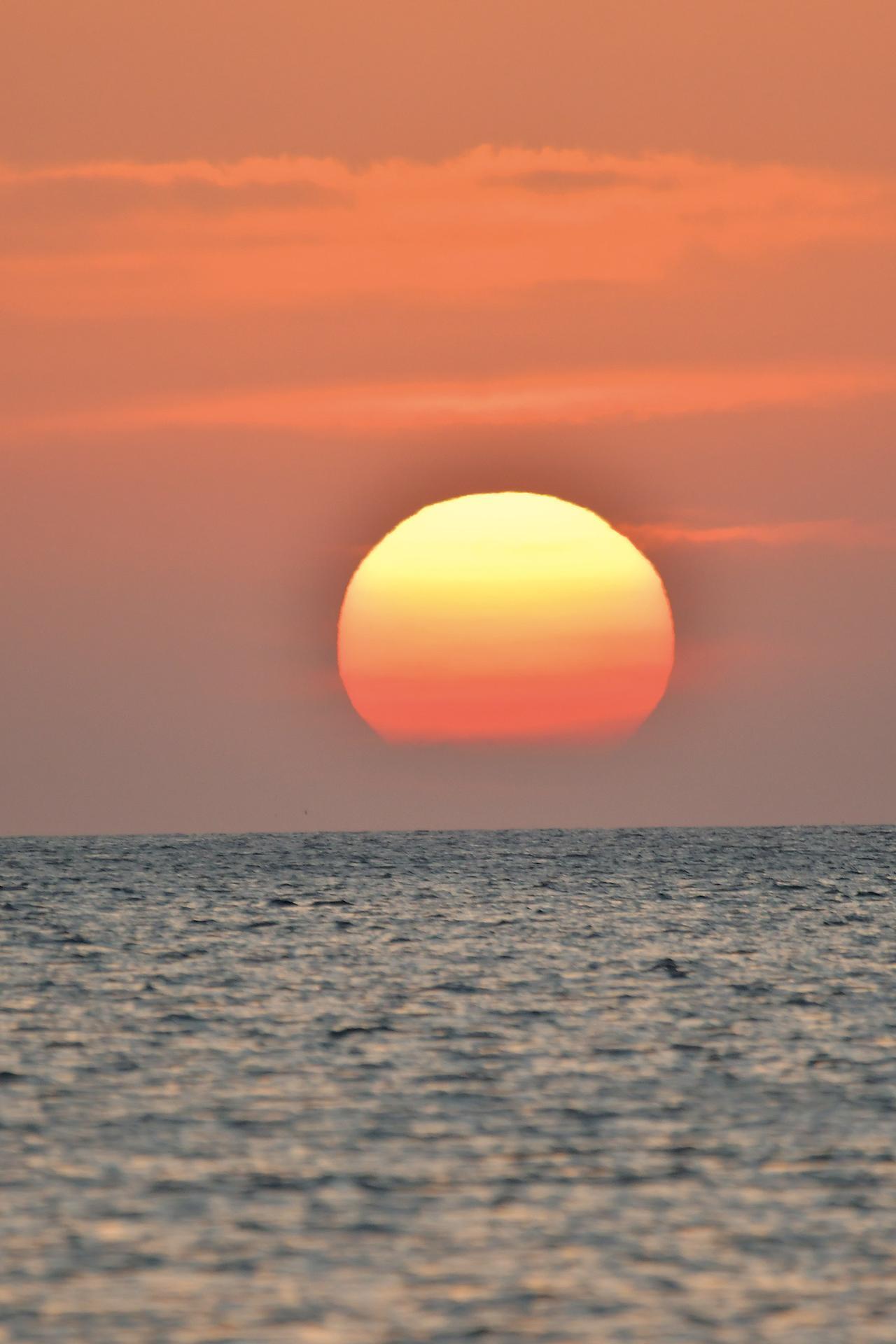 画像: こんなに夕日をじっくり見たのっていつぶりだろう… 太陽もきっと、ゴールを祝福してくれていたんだと思います。これ以上ないんじゃない?って思うほどキレイでした。