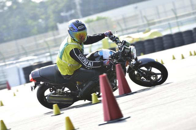 画像: C2級20位 岡田選手&VTR250 1分47秒047