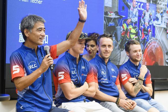 画像: 左から藤井監督、フック、フォレ、ティシェ