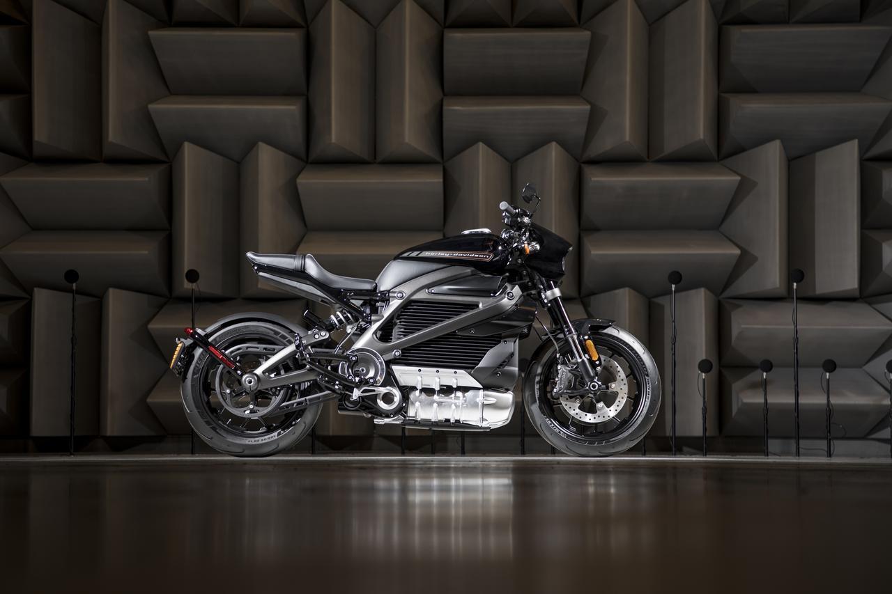 画像: 2019年に市場導入されるハーレーダビッドソン初の電動モーターサイクル『LiveWire™』。写真はプロトタイプ。
