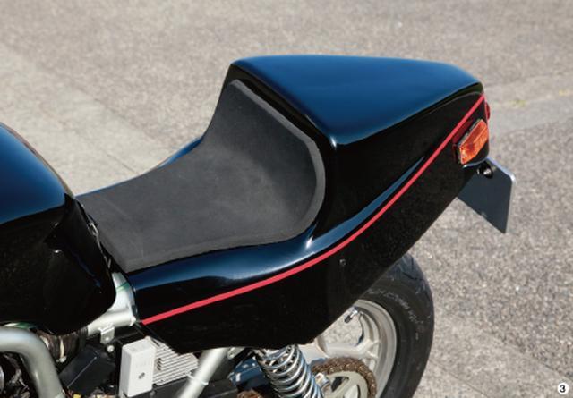 画像: ▲シートも舘の希望で、コンパクトな一人乗り専用シートに換装。実際の装着のためにノーマルのシートレールをカットして、専用のシートレールを増設するという凝った作りになっている。