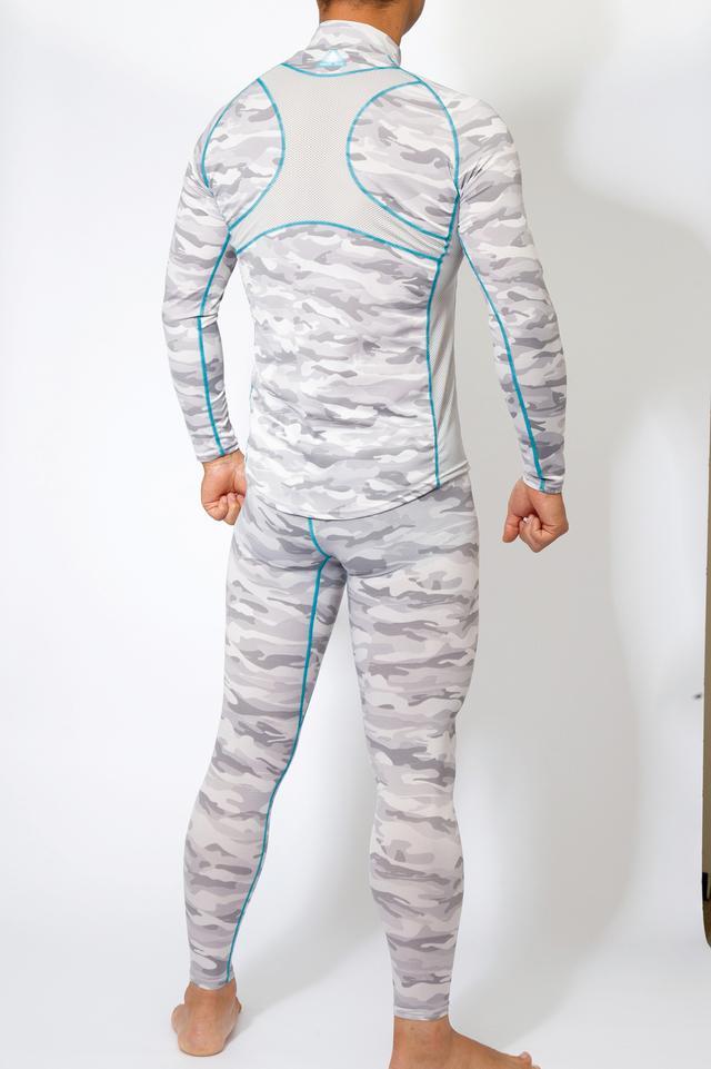 画像: 背中の「X」部分と両脇はメッシュ生地で通気性抜群。このZIPシャツは襟の後ろ部分が高く、首が日焼けしないこともライダー向き。