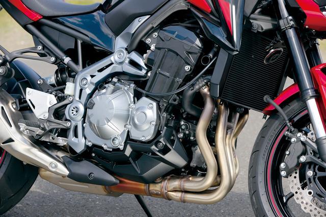 画像: Z1000用をベースに大幅な変更を加えた948cc水冷並列4気筒エンジン。コントローラブルで爽快なフィーリングと力強く豪快な加速を両立。