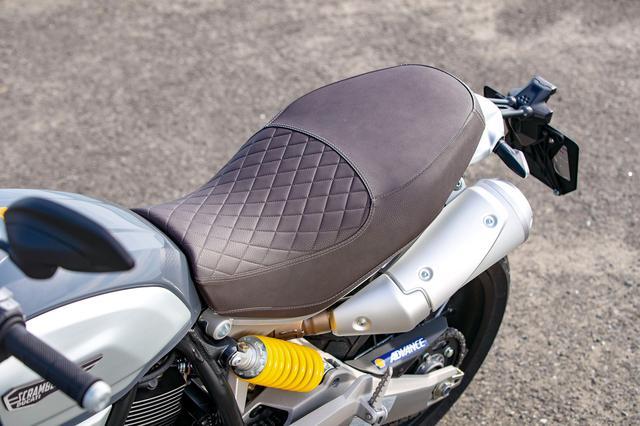 画像: シート形状は共通だが、座面形状のデザインと表皮の色を変更、スペシャル感を演出している。