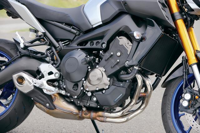 画像: クロスプレーンコンセプトに基づいて開発された845㏄水冷並列3気筒エンジン。3気筒らしいフィーリングと力強さは初代から受け継がれる。