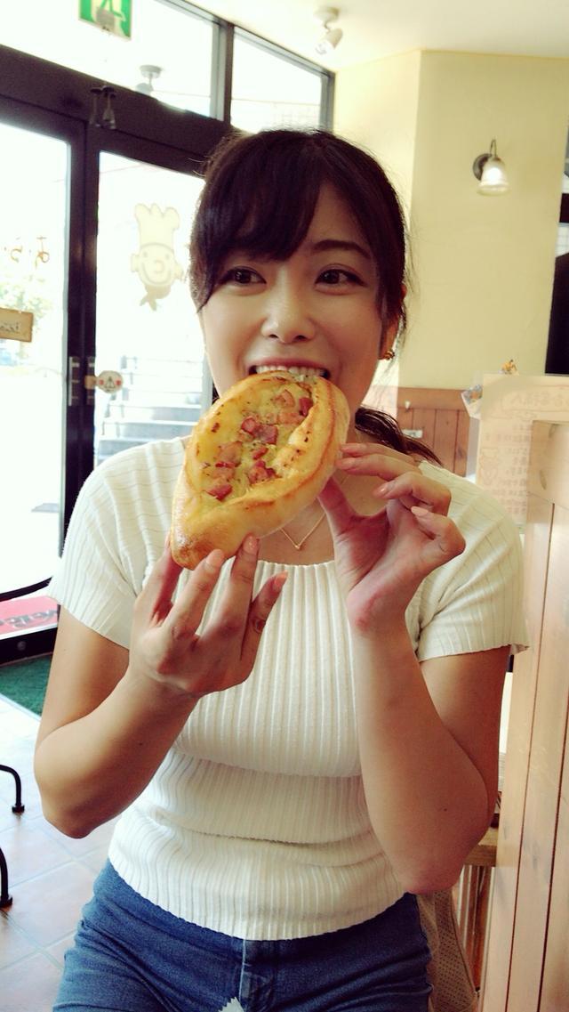 画像: ベーコンとガーリックの組み合わせが最高っ☆他にも食べたいパンがたくさんありました。