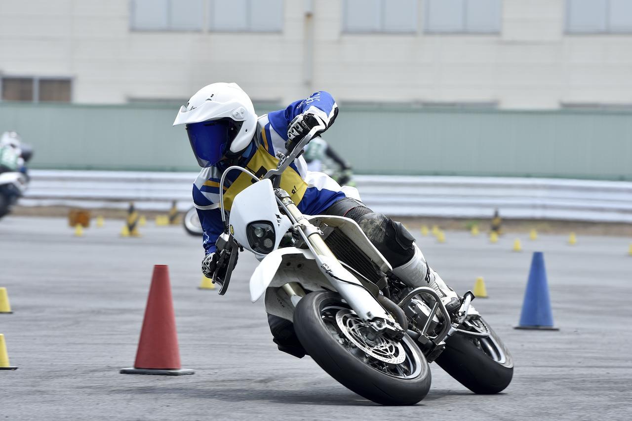 画像: NO級13位 岩崎 剛選手&DR-Z400SM 2分1秒917