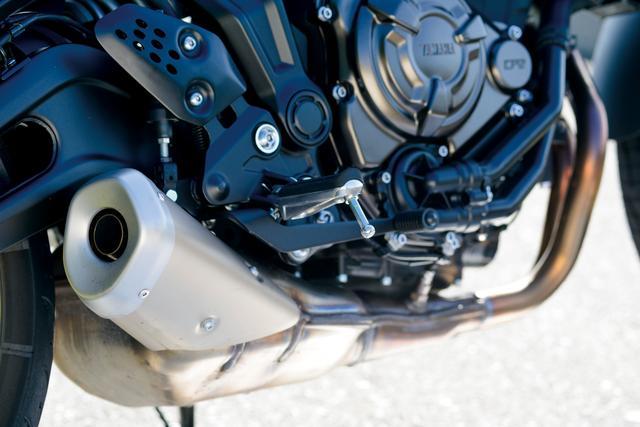 画像: 270度クランクを採用する688㏄水冷並列ツインエンジンは、爽快でパワフルな乗り味に加えて、粘り強いトルク特性まで備えていて優れたコントロール性を実現。