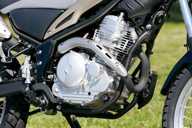 画像: 排ガス規制のために02フィードバック制御の最新のフューエルインジェクションを採用したエンジンは、最高出力も2PSアップした。