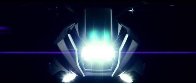 画像: ヘッドライトが光り〜の。