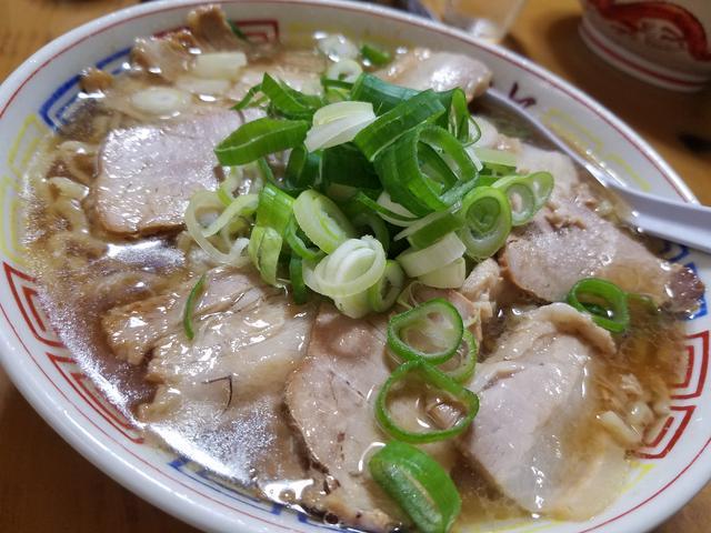 画像: 喜多方ラーメンの「まこと食堂」のチャーシューメン