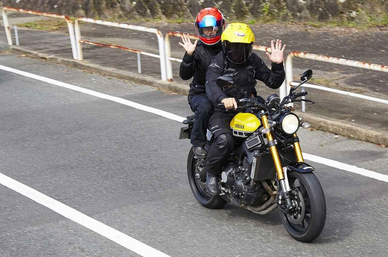画像: ケニーさんが日本においてある愛車XSR700インターカラーバージョン! ケニー、いつも走る時は奥様とタンデムです 奥様、実は日本人で熊本出身、そんな縁で始まったKRJRなんです