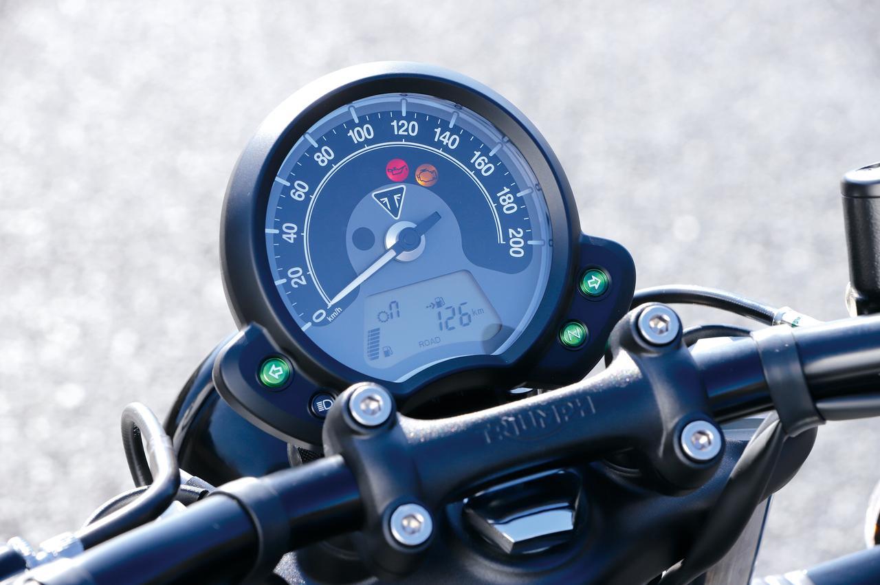 画像: 大径のアナログスピードメーターの下部に、燃料計、距離計をはじめさまざまな情報を表示できる液晶パネルを内蔵したメーターユニット。