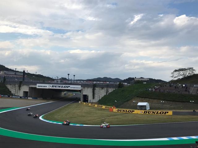 画像2: 私は4輪も2輪もサーキットに行ってレースを観るのが大好きです♪