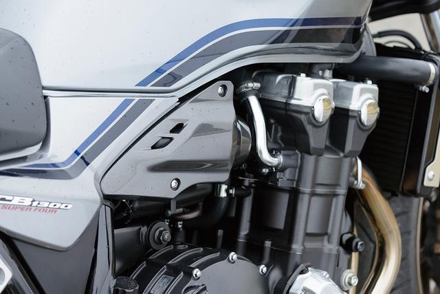 画像: バックトルクリミッターを新採用した水冷4気筒1284㏄エンジン。「インジェクションのマッピングの設定変更で、燃え方……エンジン特性がとてもよくなりましたね」