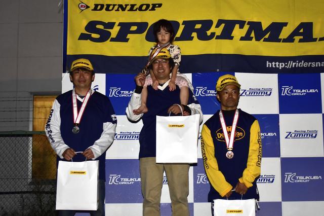 画像: 左からランキング2位・池田選手、ランキング1位・冨永選手、ランキング3位・吉野選手