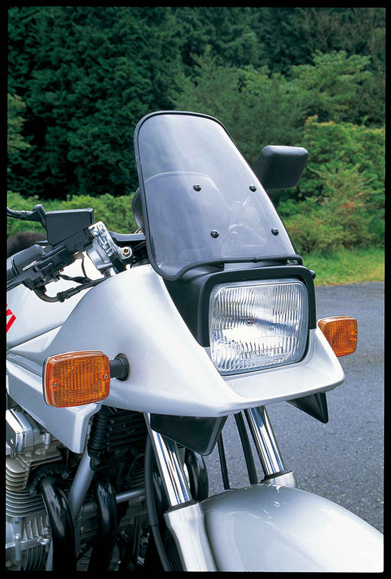 Images : 3番目の画像 - GSX 1100 S KATANA - webオートバイ