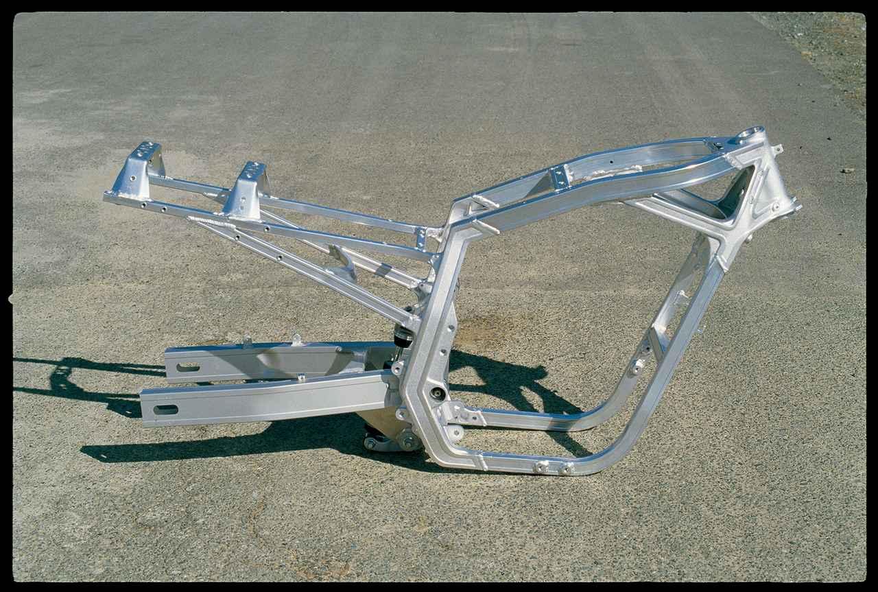 Images : 3番目の画像 - GSX-R750 - webオートバイ