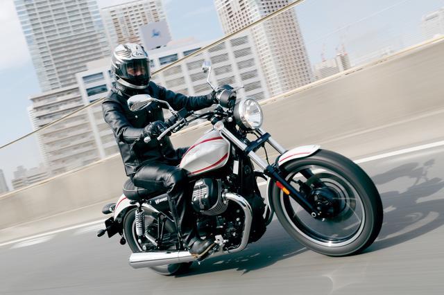 画像: MOTO GUZZI V9 ROAMER 最高出力:55HP/6250rpm 最大トルク:6.32㎏-m/3000rpm 価格:124万8000円 発売:2017年2月