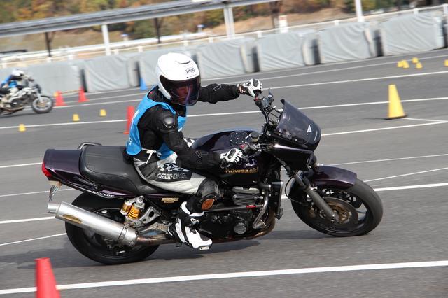 画像: B級 小島英夫選手&ZRX1100