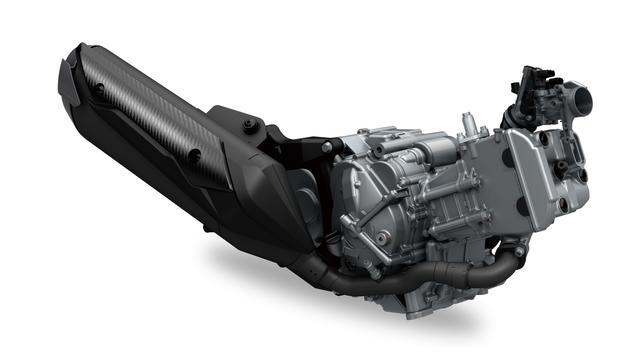 画像: スカイウェイブ400から発展したエンジンは、エアクリーナーボックス容量拡大などの改良で低中速域トルクを向上。O²フィードバックシステムと新設計のキャタライザーで最新の排ガス規制もクリア。