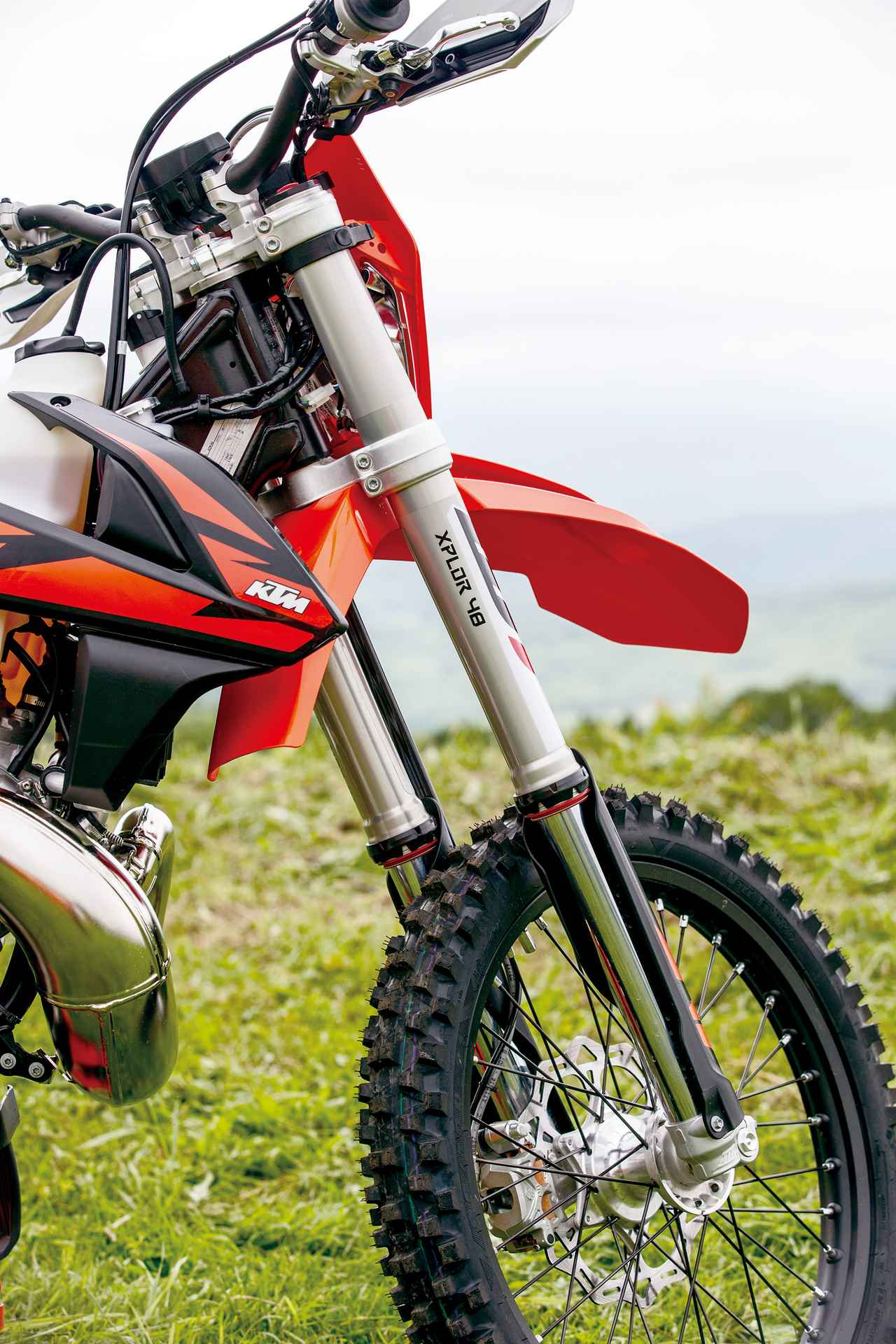 Images : 6番目の画像 - KTM 250EXC TPI - webオートバイ