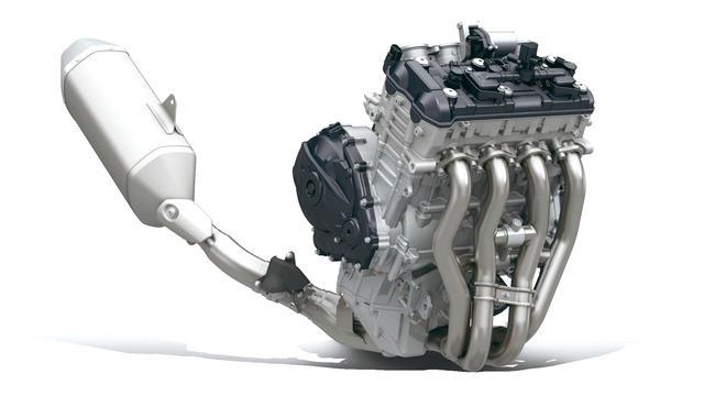 画像: ただパワーを追求するのではなく、車体全体の重量バランスを考え、シリンダーの前傾角を6度起こされている。その分、エンジンンは前に搭載でき、フロントに安定した加重ができるのだ。