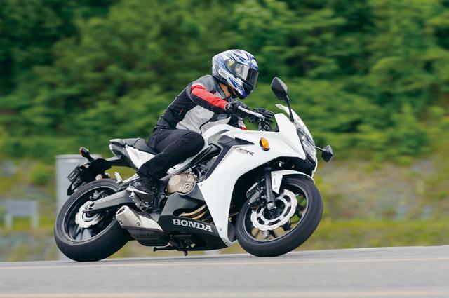 画像: CBR600RRに比べると、650は神経質にならずにスポーツライディングが楽しめるのが魅力です。ABS付きのブレーキは、公道では必須の装備と思いますね。