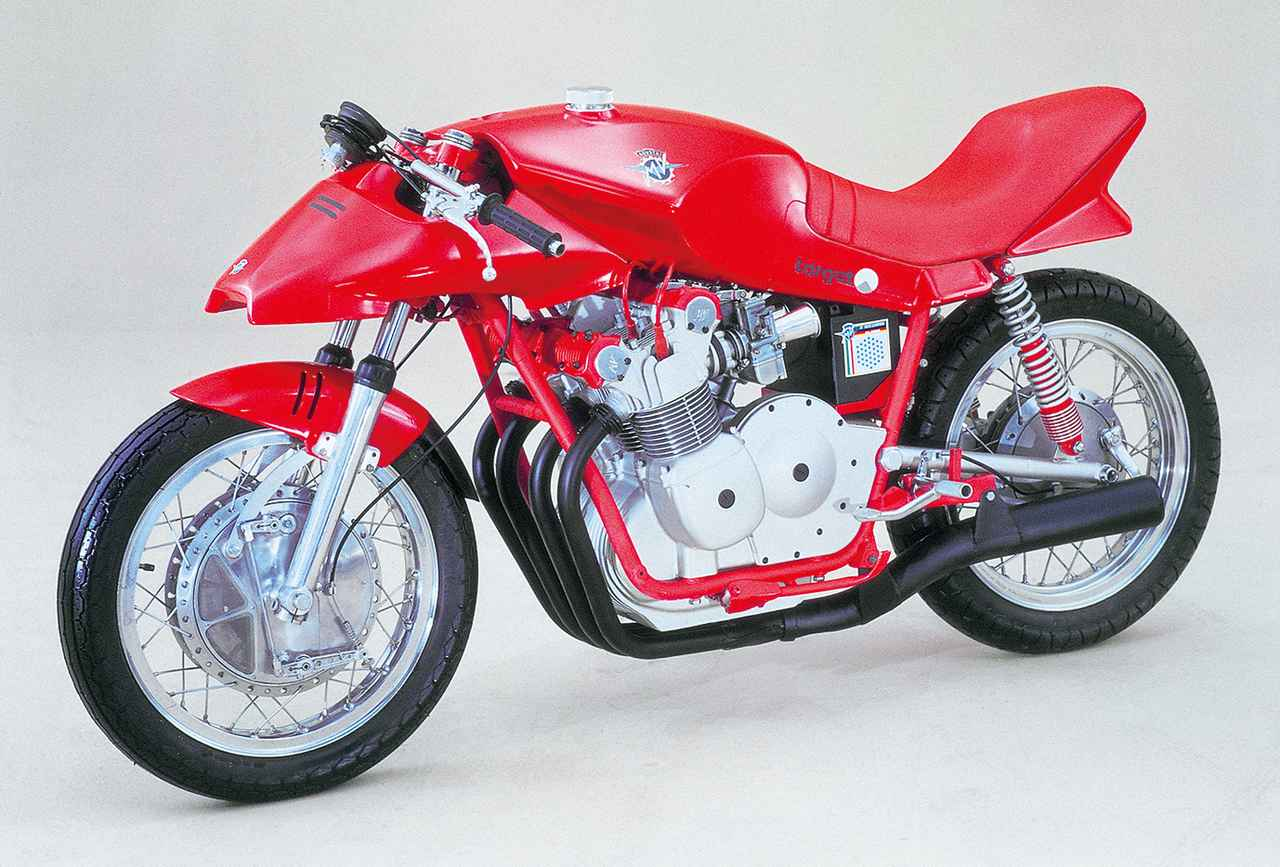 画像: 1979年、ドイツのオートバイ専門誌『モトラッド』が増刊号の巻頭企画としてデザインコンペを開催。そこに寄せられた作品の1台がこのMV750S。製作は当時新興だったミュンヘンのターゲットデザイン。実はカタナと同時進行していた作品。
