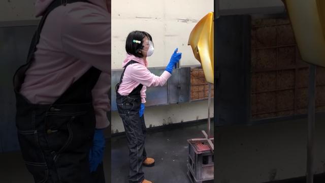 画像: 美環ちゃんがDE耐!に向けて、GROMを塗装中! www.youtube.com