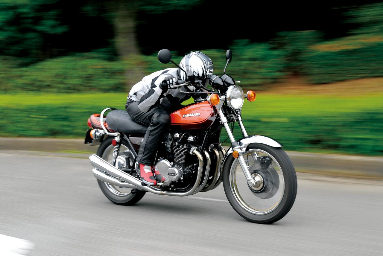 Images : 3番目の画像 - KAWASAKI 900 SUPER4 - LAWRENCE - Motorcycle x Cars + α = Your Life.