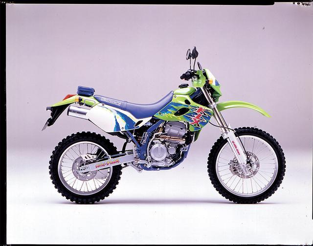 画像: 1993/2 KAWASAKI KLX250SR ●水冷4ストDOHC4バルブ単気筒 ●249㏄●30PS/8500rpm●2.6㎏-m/7500rpm●109㎏●3.00-21・4.60-18●44万9000円