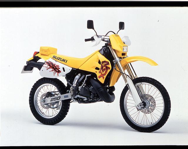 画像: 1992/5 SUZUKI RMX250S ●水冷2スト・クランクケースリードバルブ単気筒●249㏄●40PS/8000rpm ●3.8㎏-m/6500rpm●113㎏ ●80/100-21・120/90-18●45万9000円